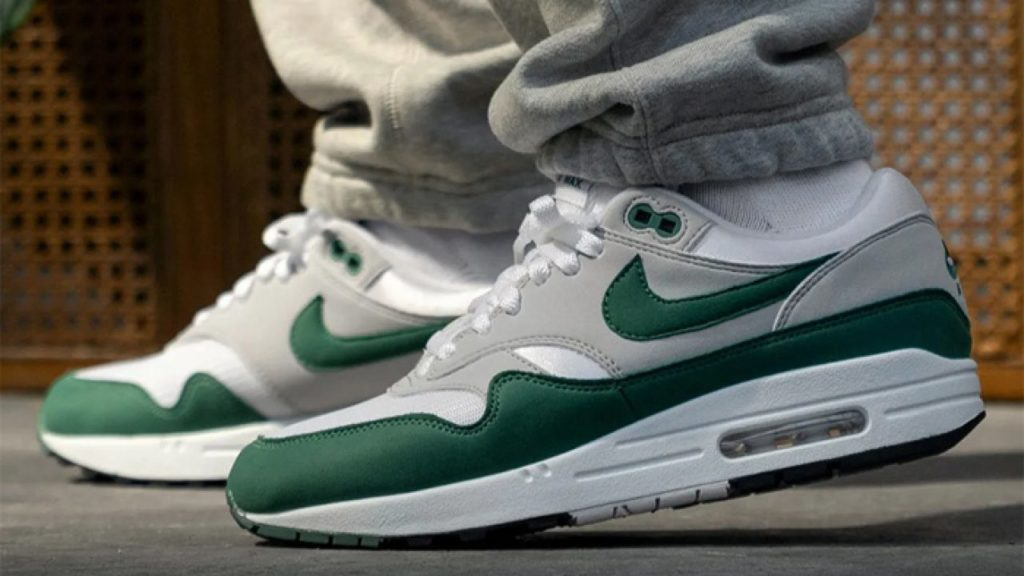 Nike Air Max 1 Anniversary Hunter Green